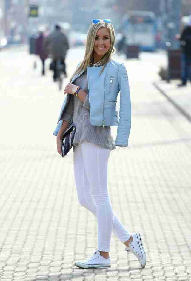 How to Style White Leggings